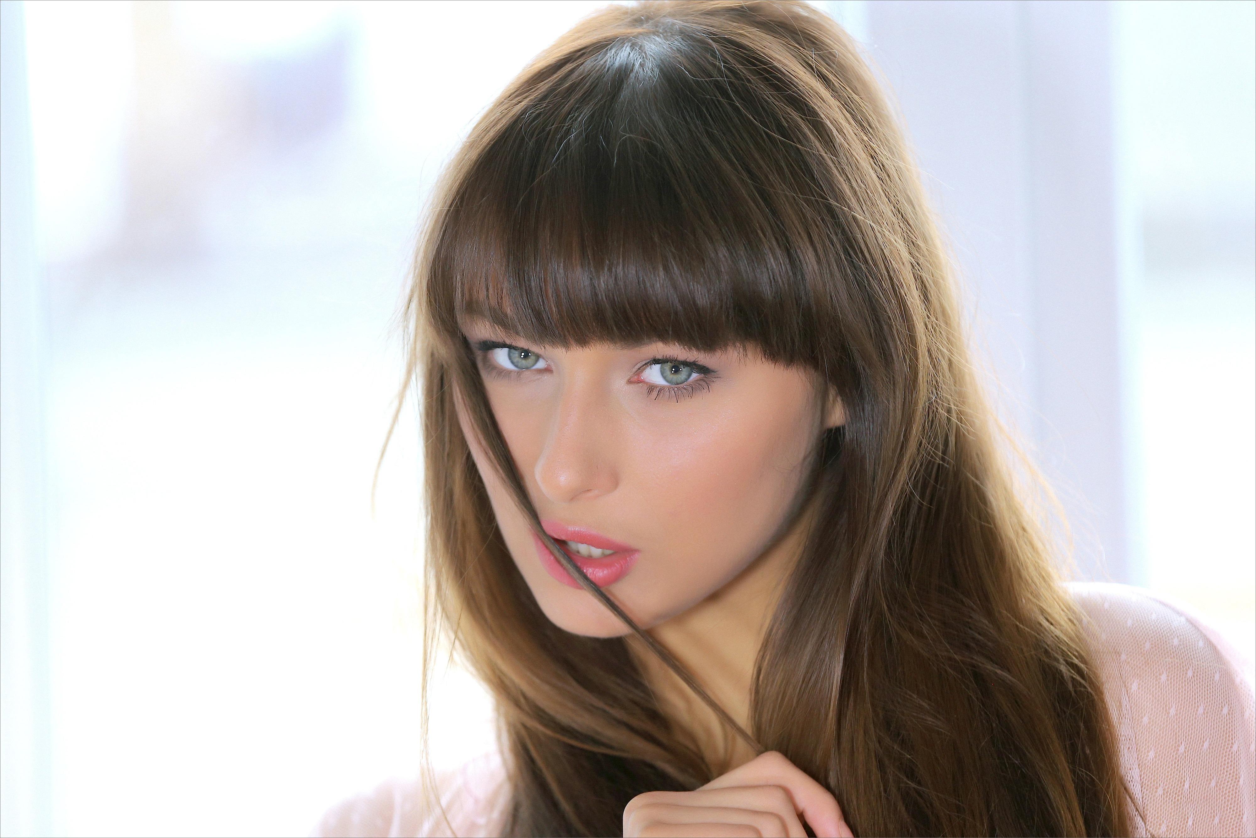 yarina p sexy girl face eyes long hair bru te   id 172745