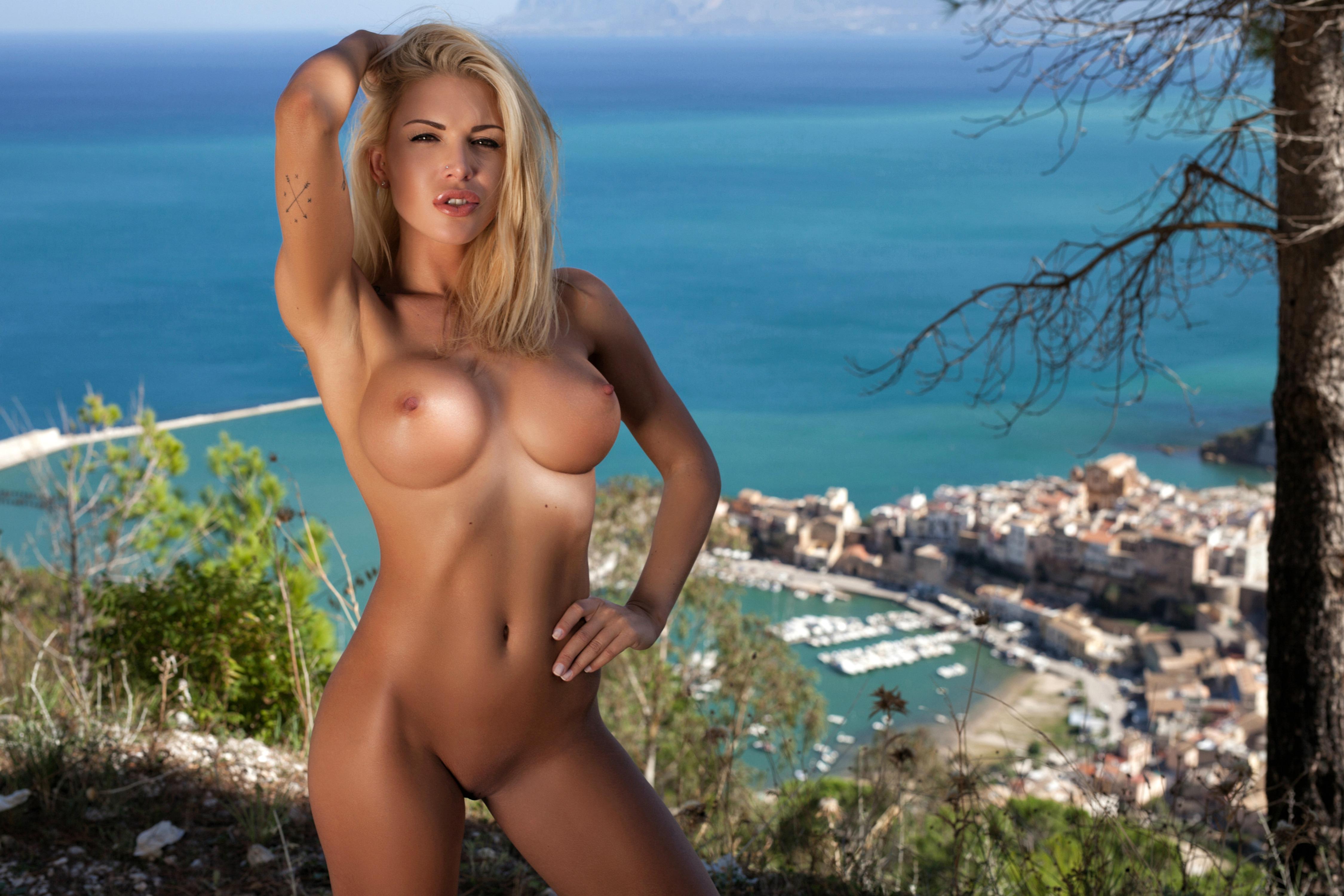 Wallpaper Brigitta, Blonde, Outdoors, Naked, Big Tits, Hard Nipples, Shaved Pussy, Tattoos, Hi-Q, Tanned, Boobs, Tits Desktop Wallpaper - Girls -9660