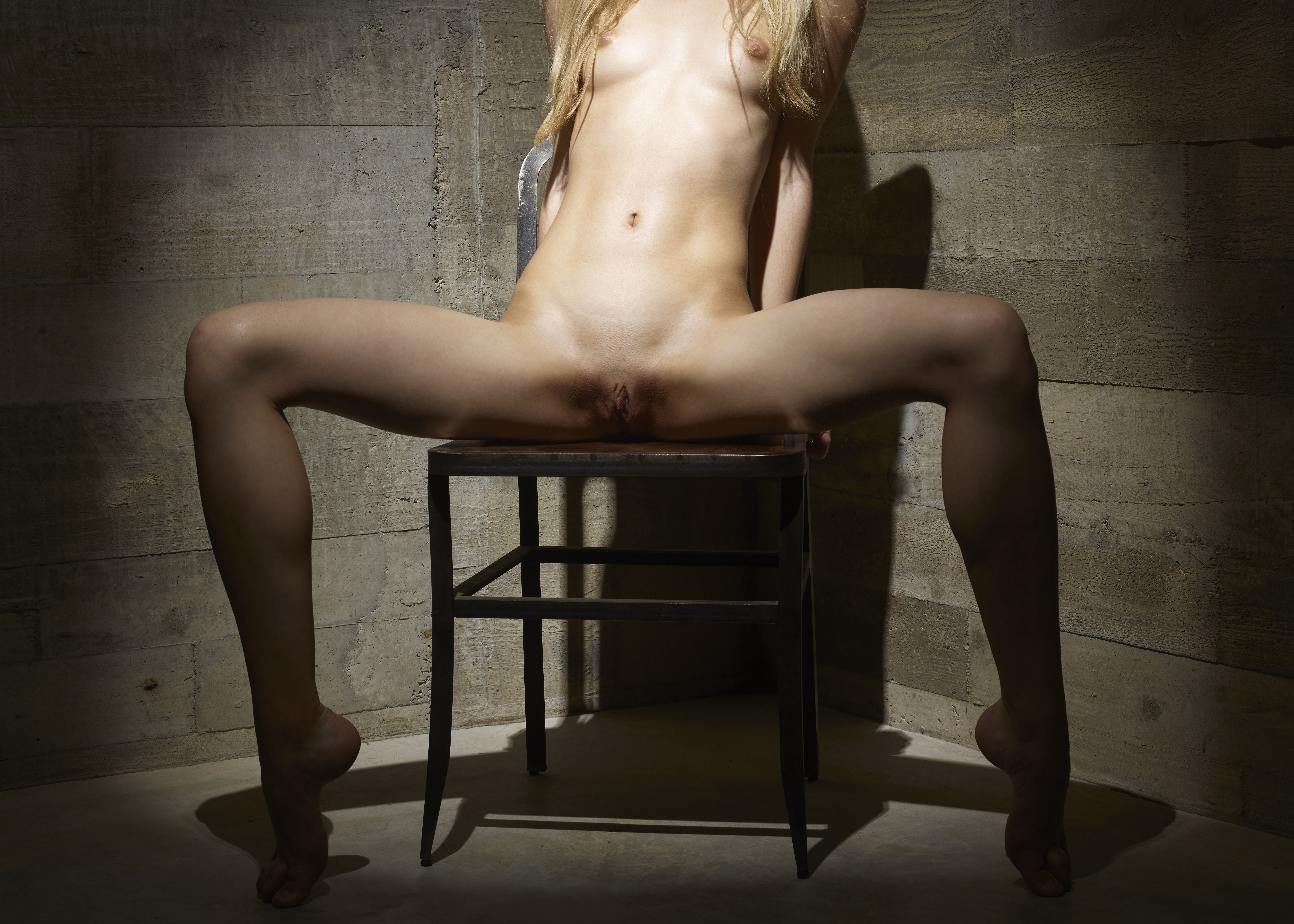 Midget fortune teller seduce the girls
