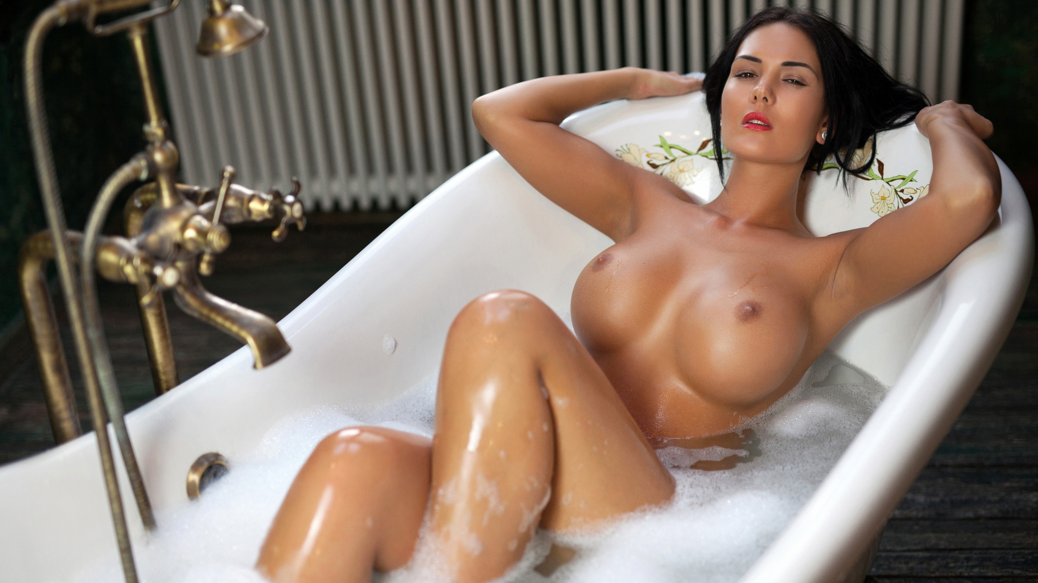 super sexy wet naked women