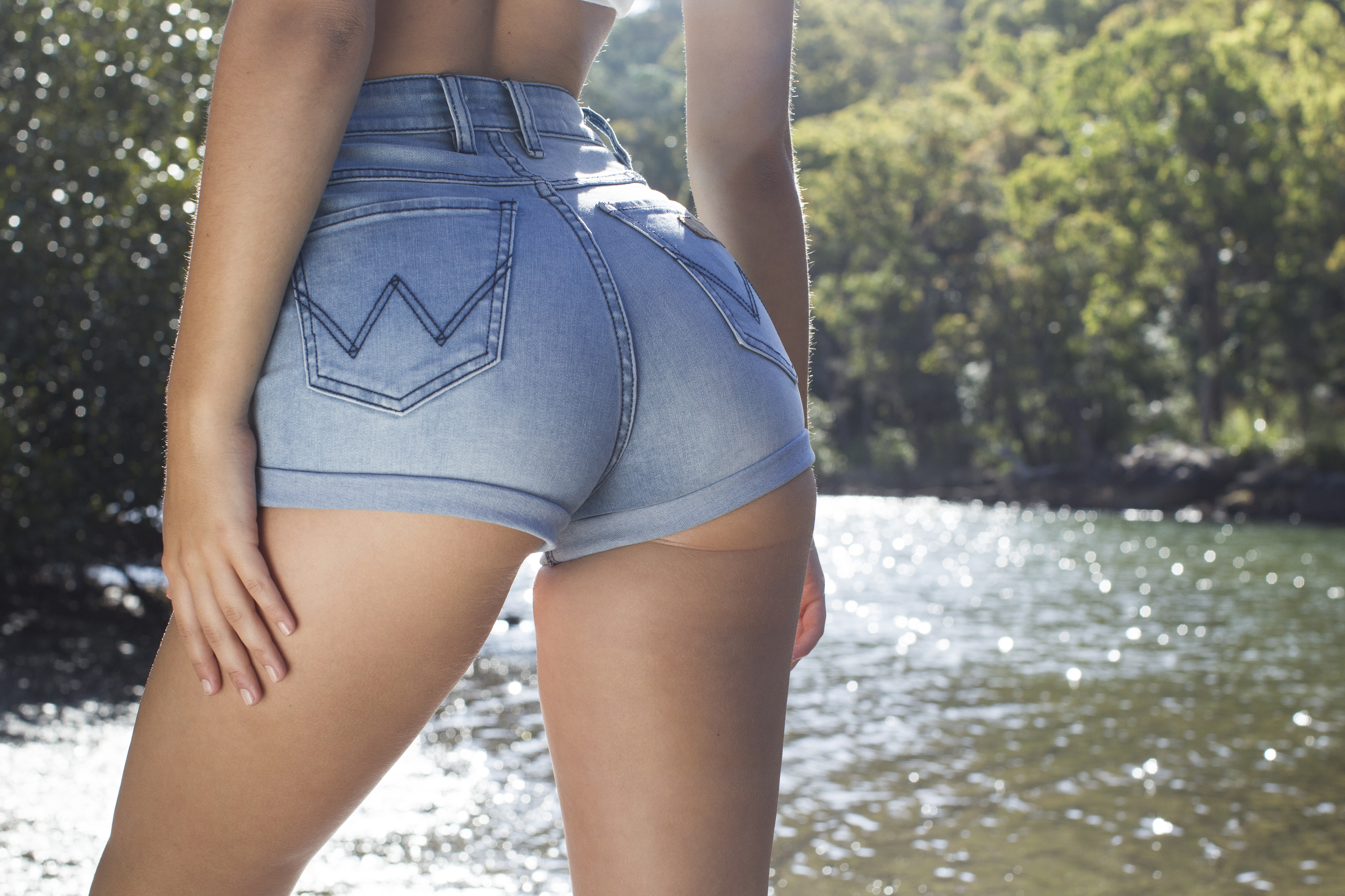 Girls sexy short jeans