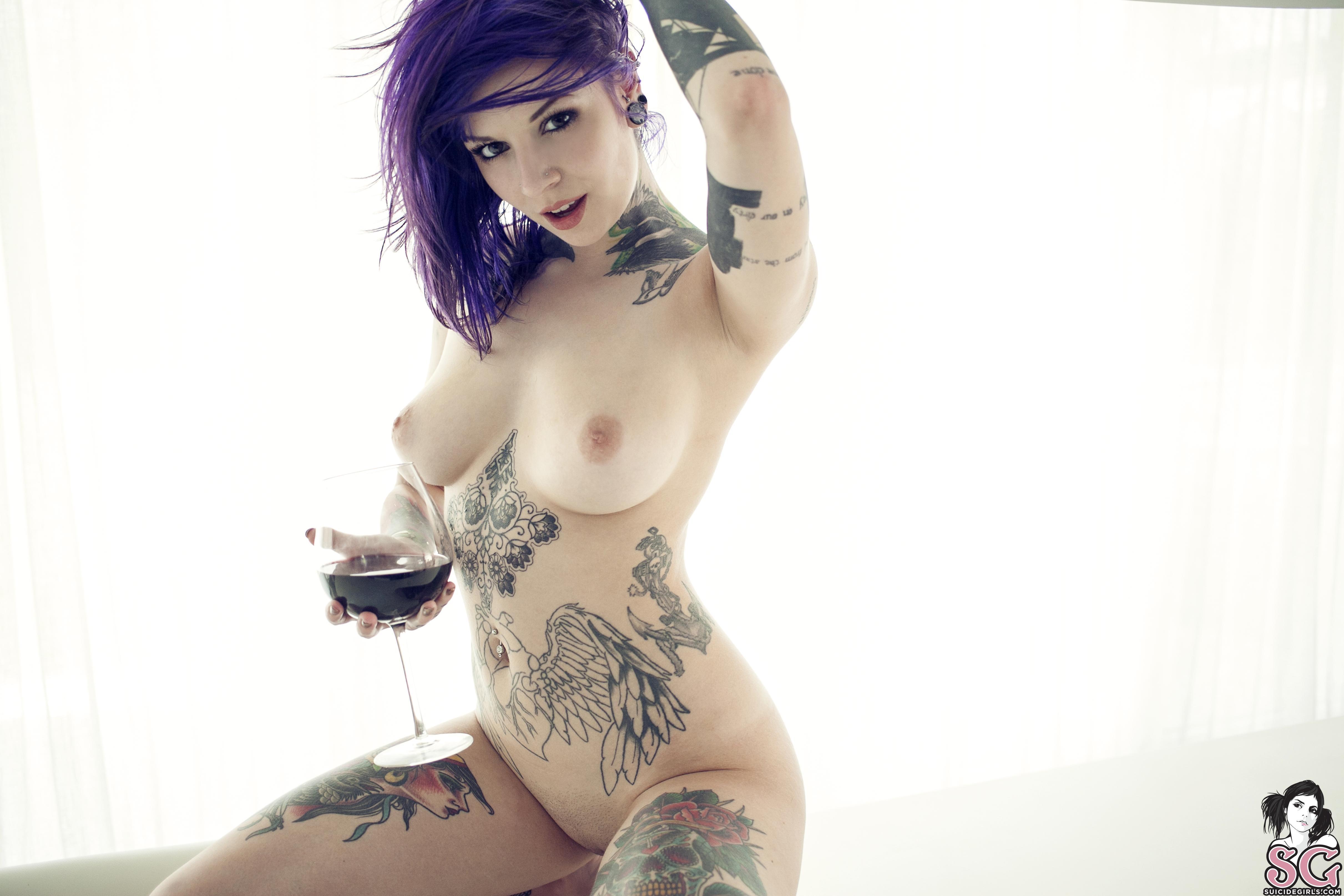 big boob tattooed women naked