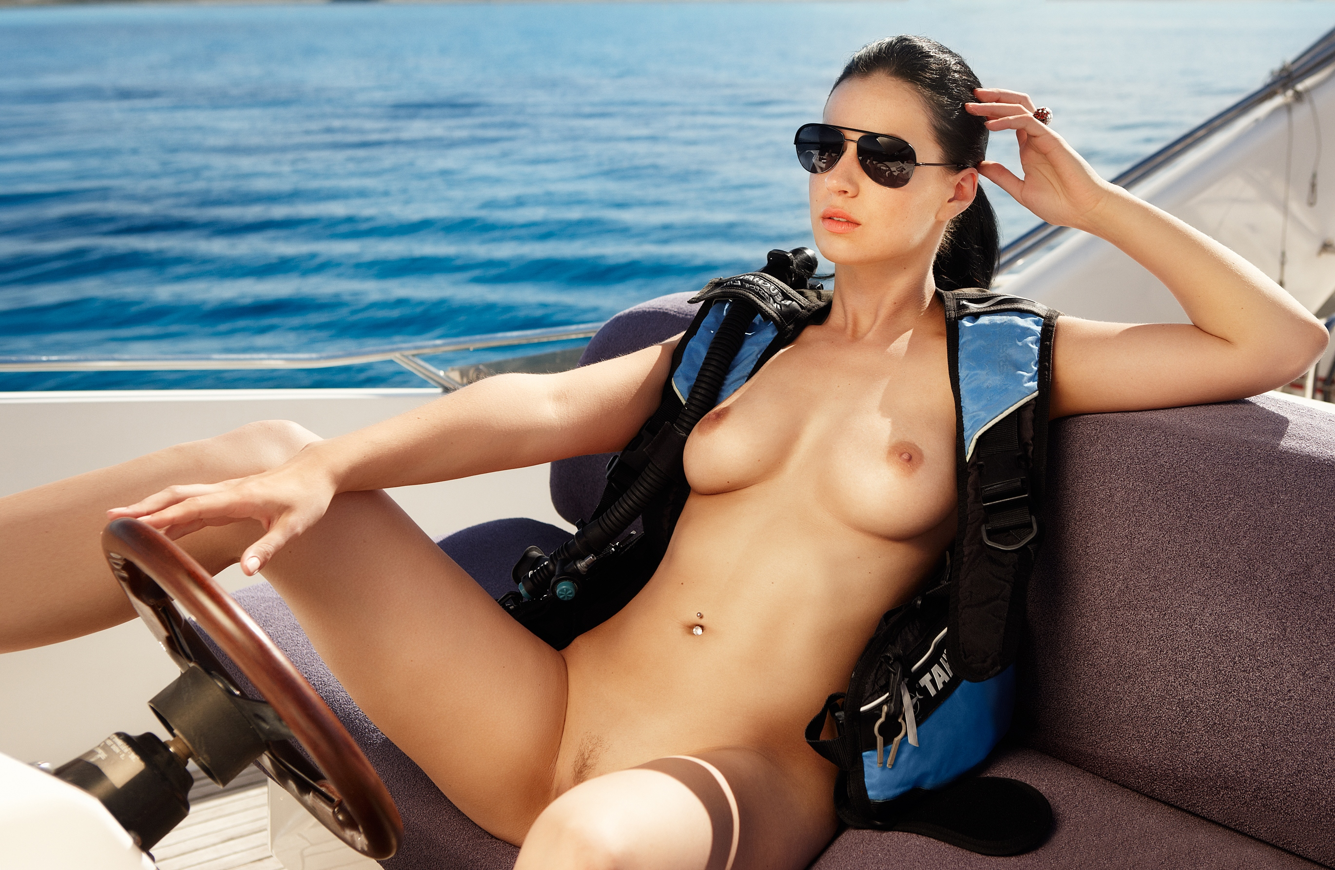 Recommend sexy girl on boat wallpaper All above