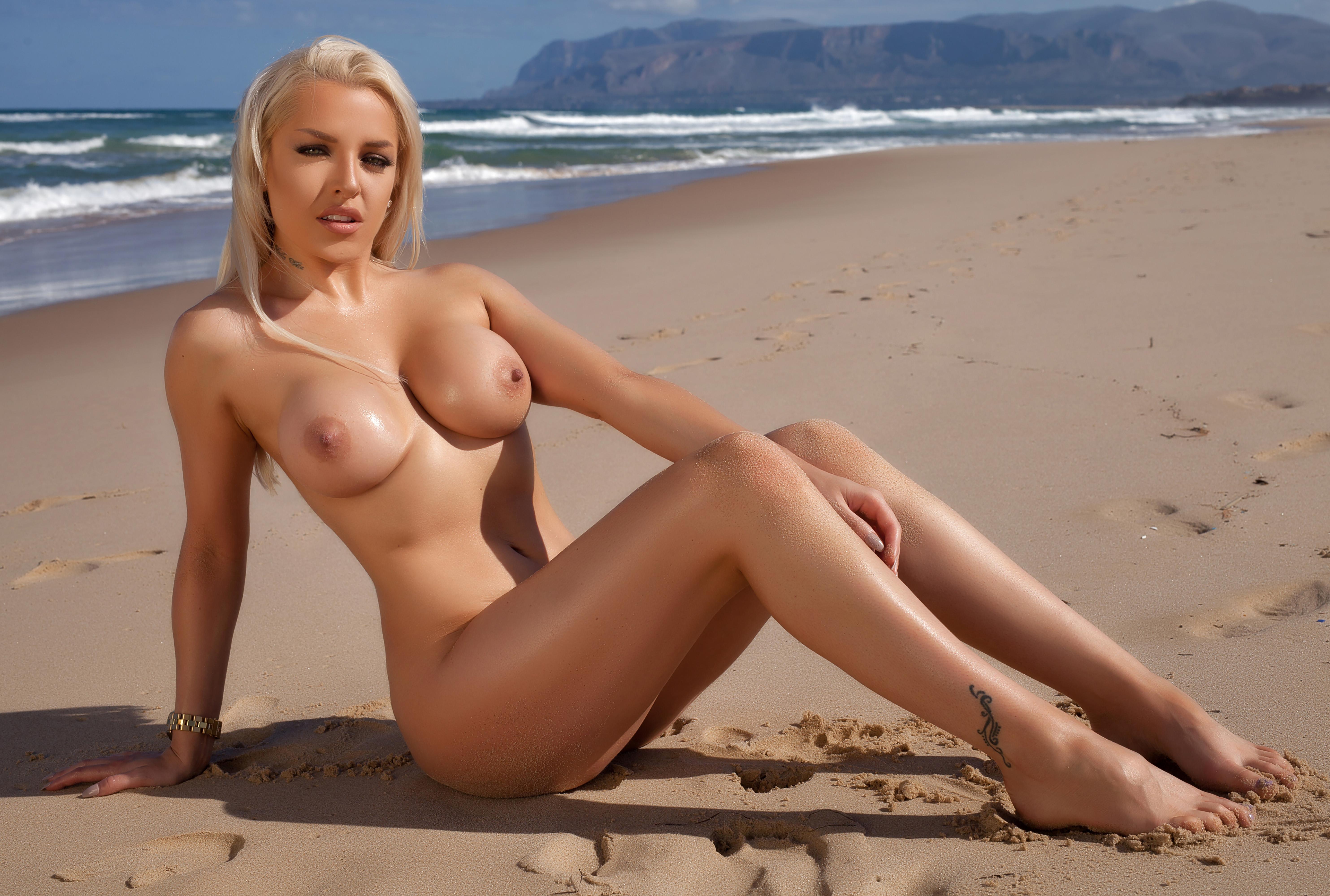 Wallpaper Yasmin, Blonde, Beach, Sand, Sea, Sun -6893