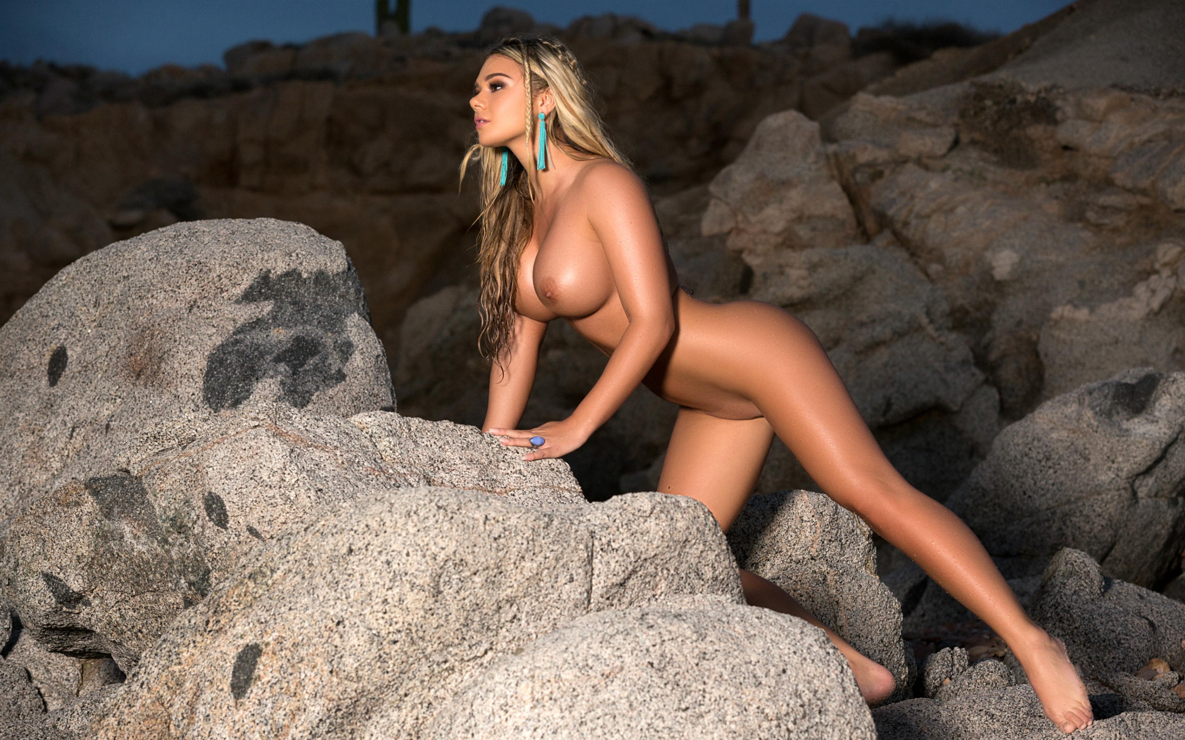 Paris naked nude girls — photo 14