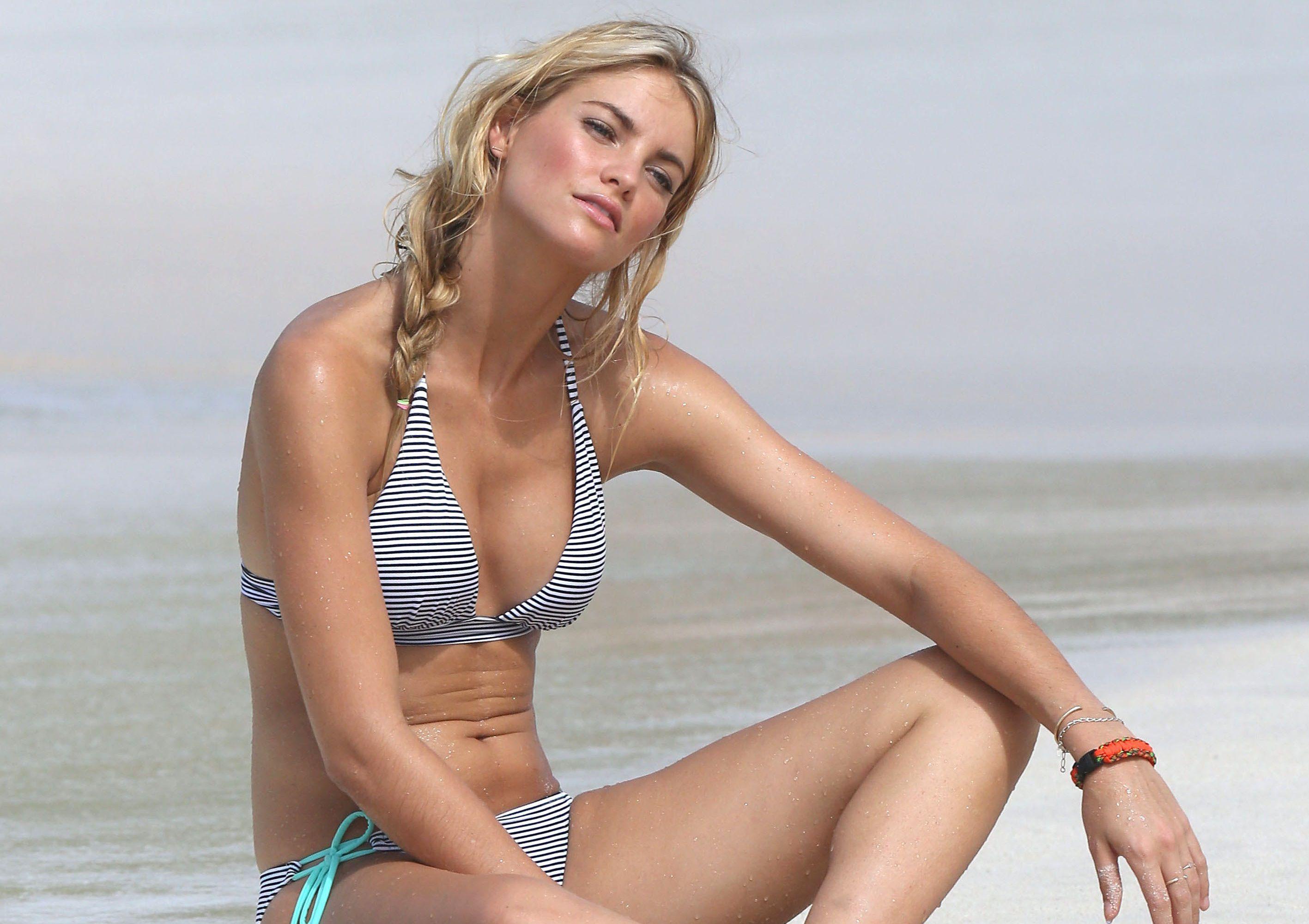 Cleavage Kendal Lee Schuler nude (48 photo), Tits, Hot, Boobs, panties 2020