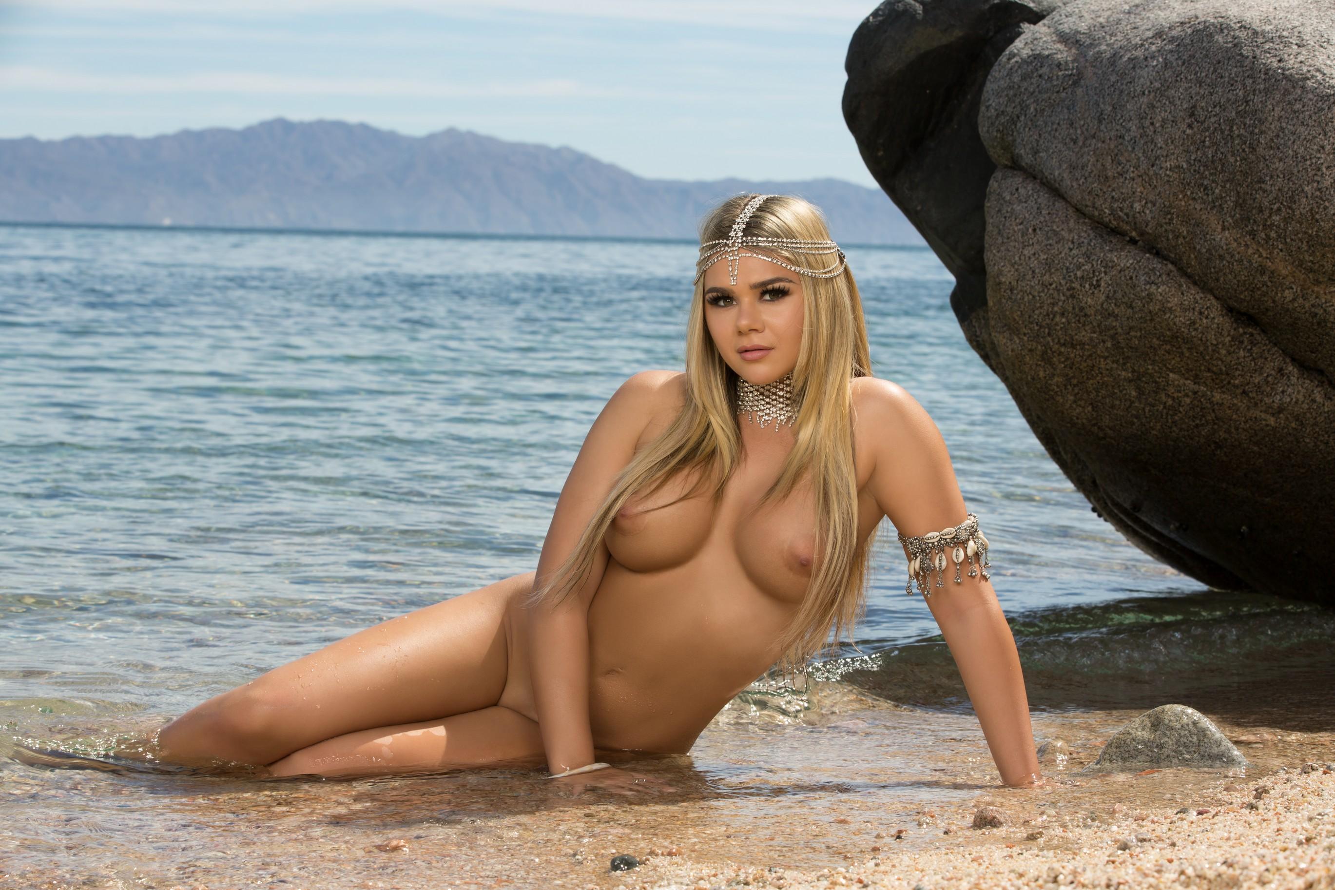 Shall Hot tan blonde nude beach babes