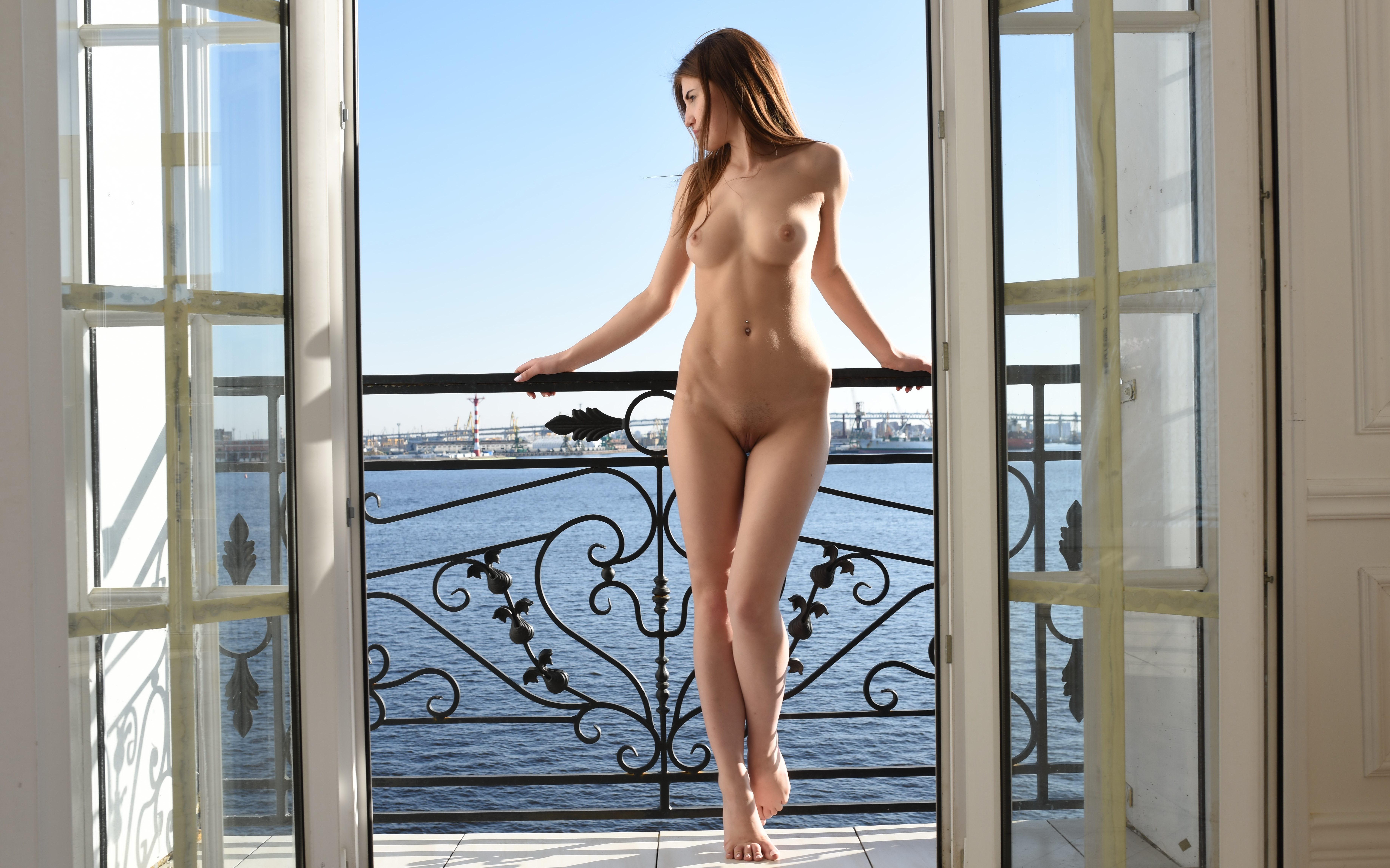 window-naked