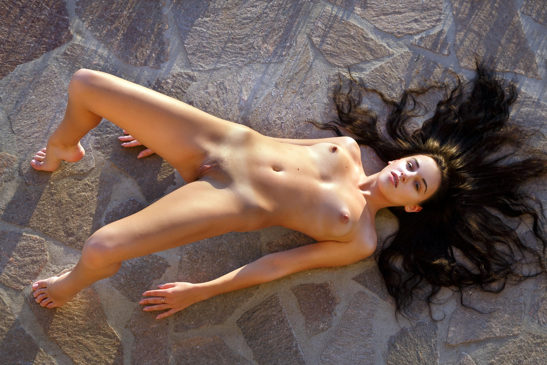 Wallpaper sultana, brunette, outdoors, naked, tits ...
