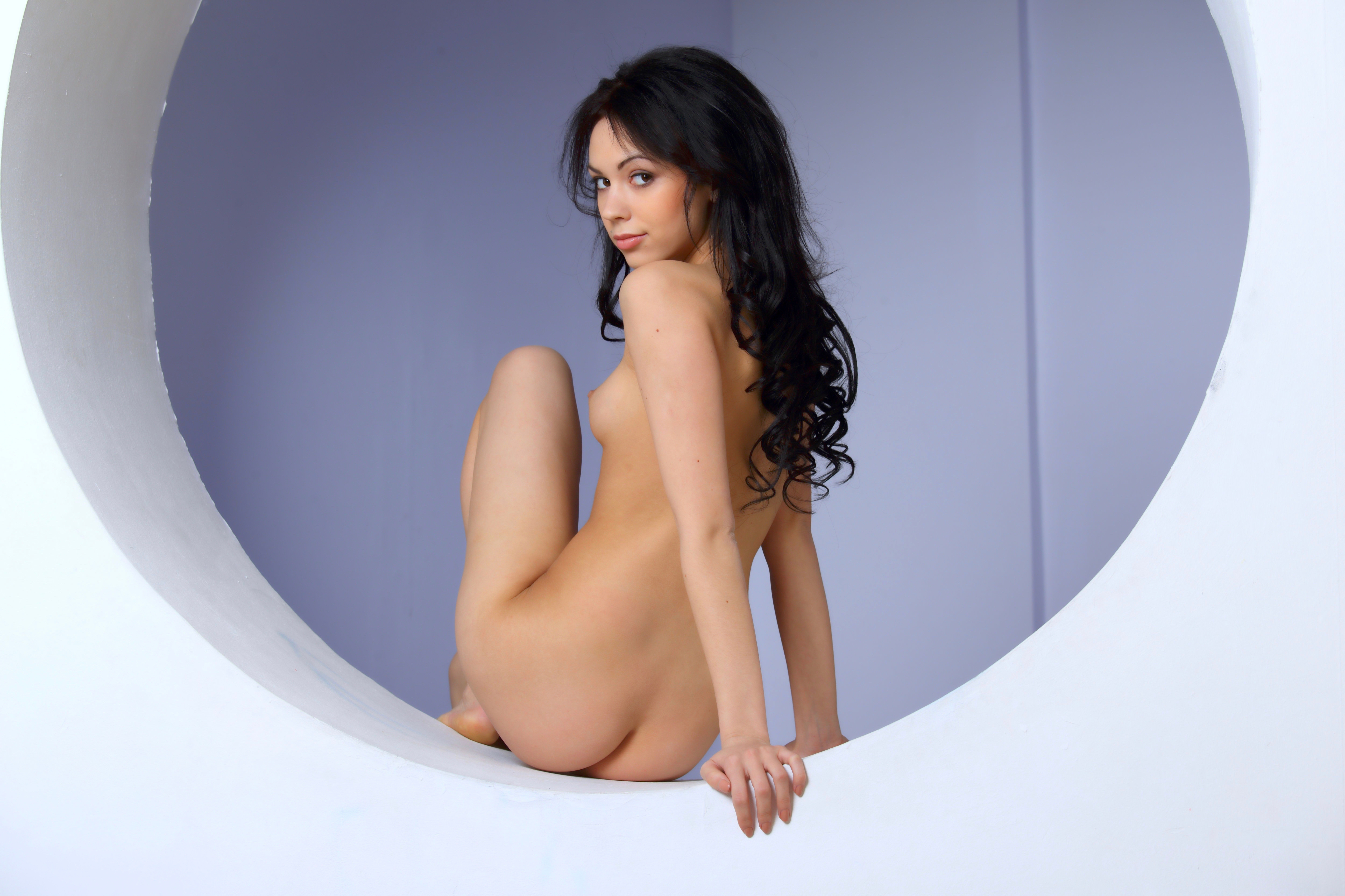 nude women in heels lipstick
