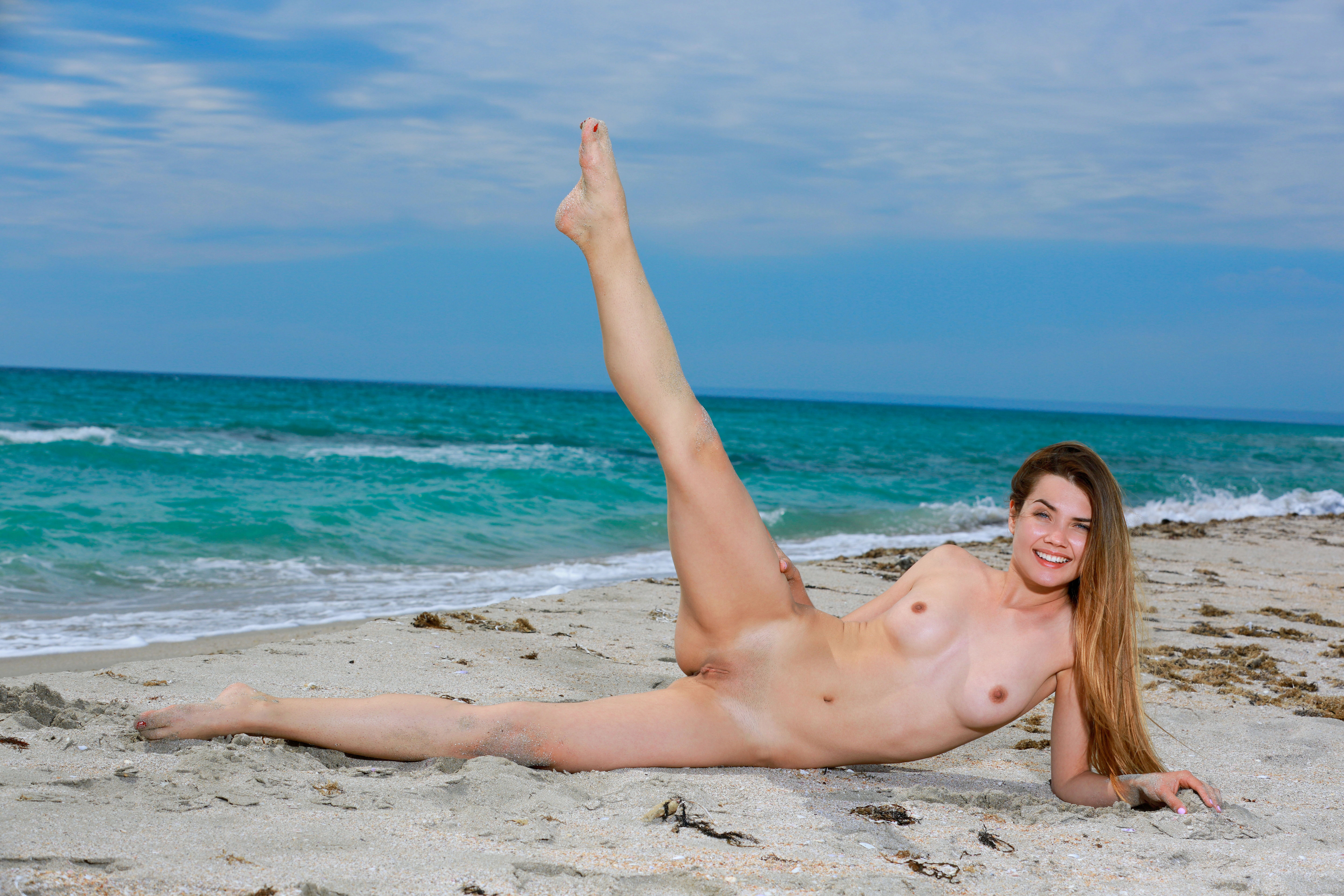 naked babes at beach wth open pussy