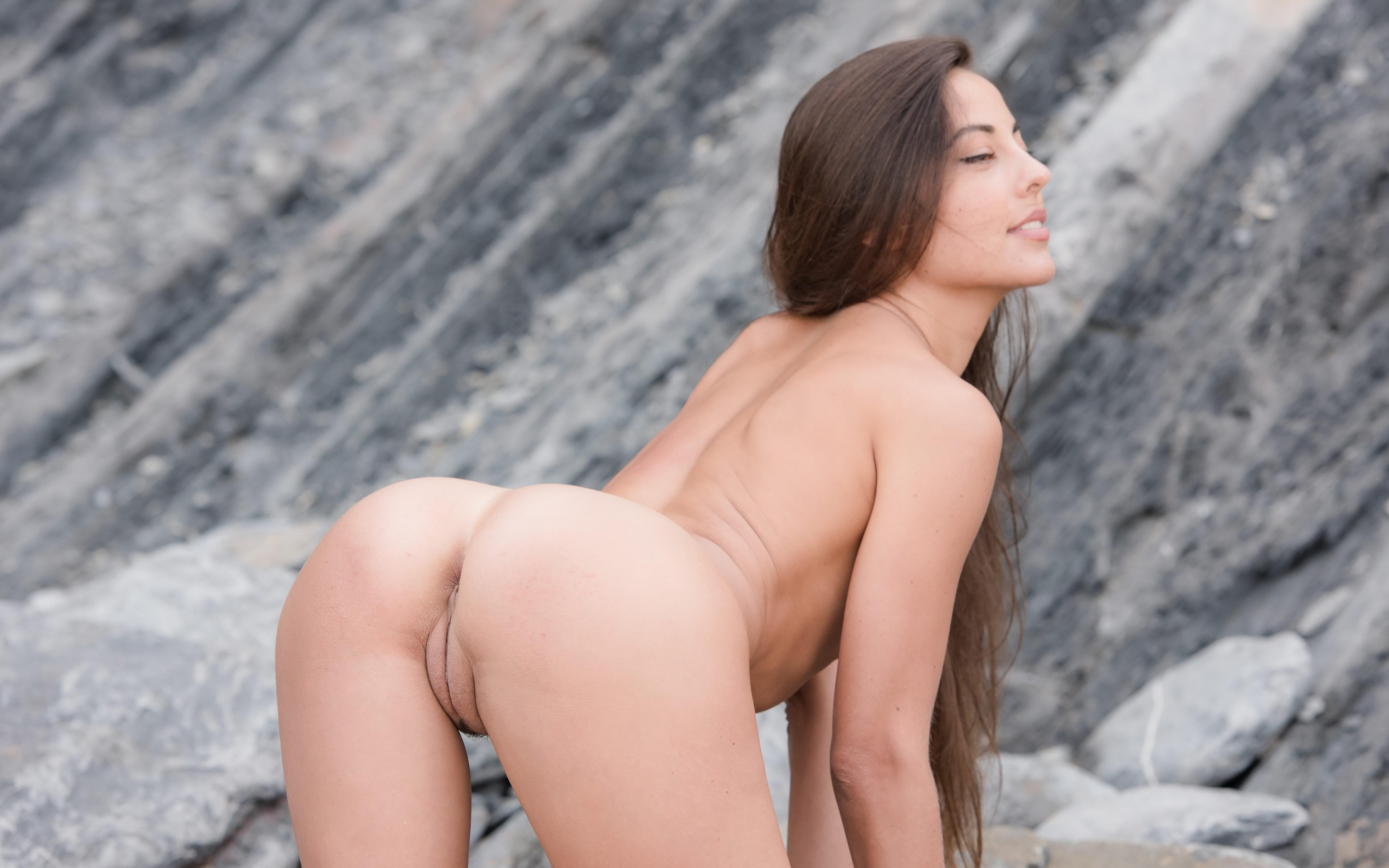 Lorena nude model