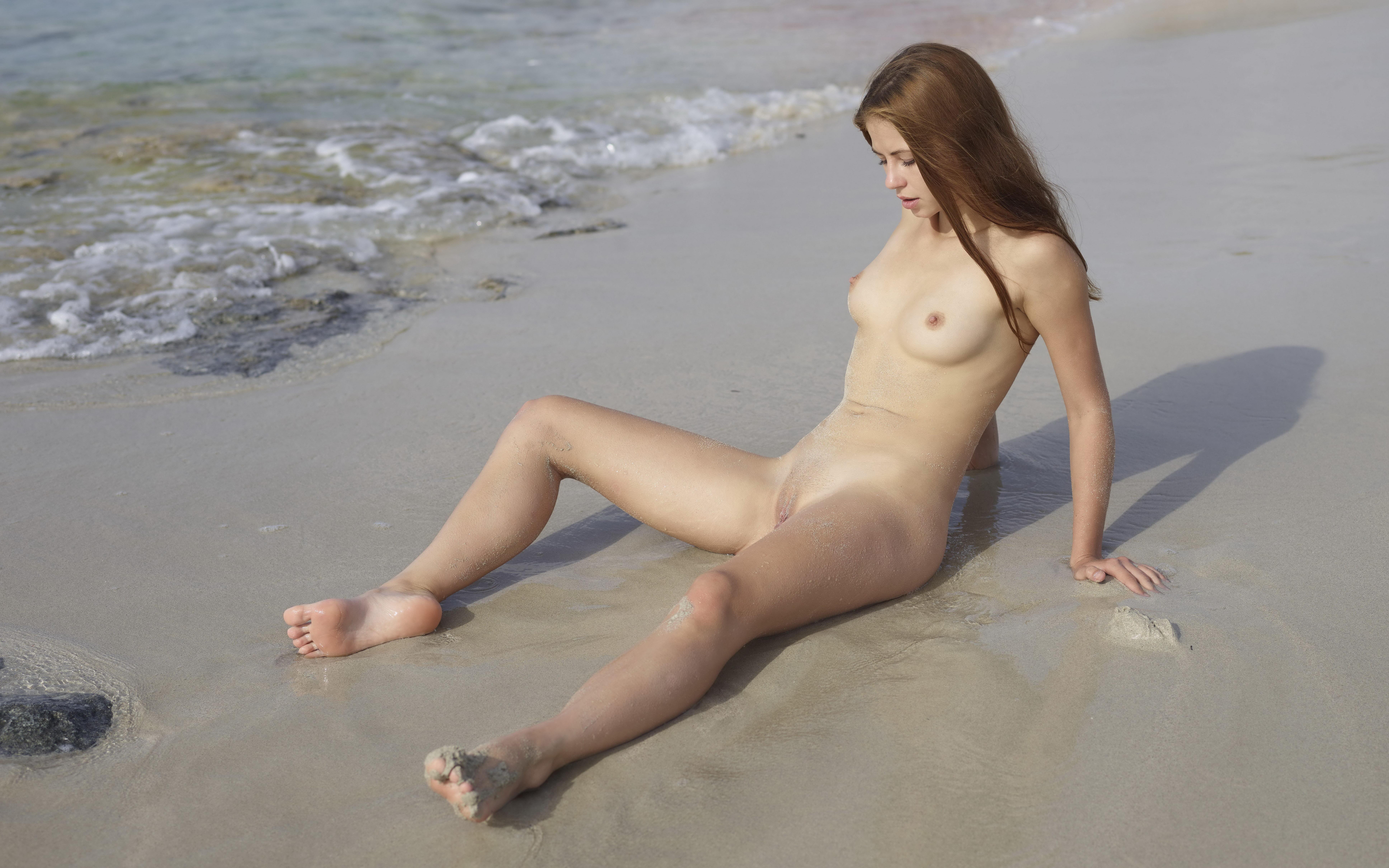 Wallpaper Jenna, Hilary C, Beach, Cutie, Nude, Legs, Tits, Boobs, Wet Desktop Wallpaper - Girls -4553