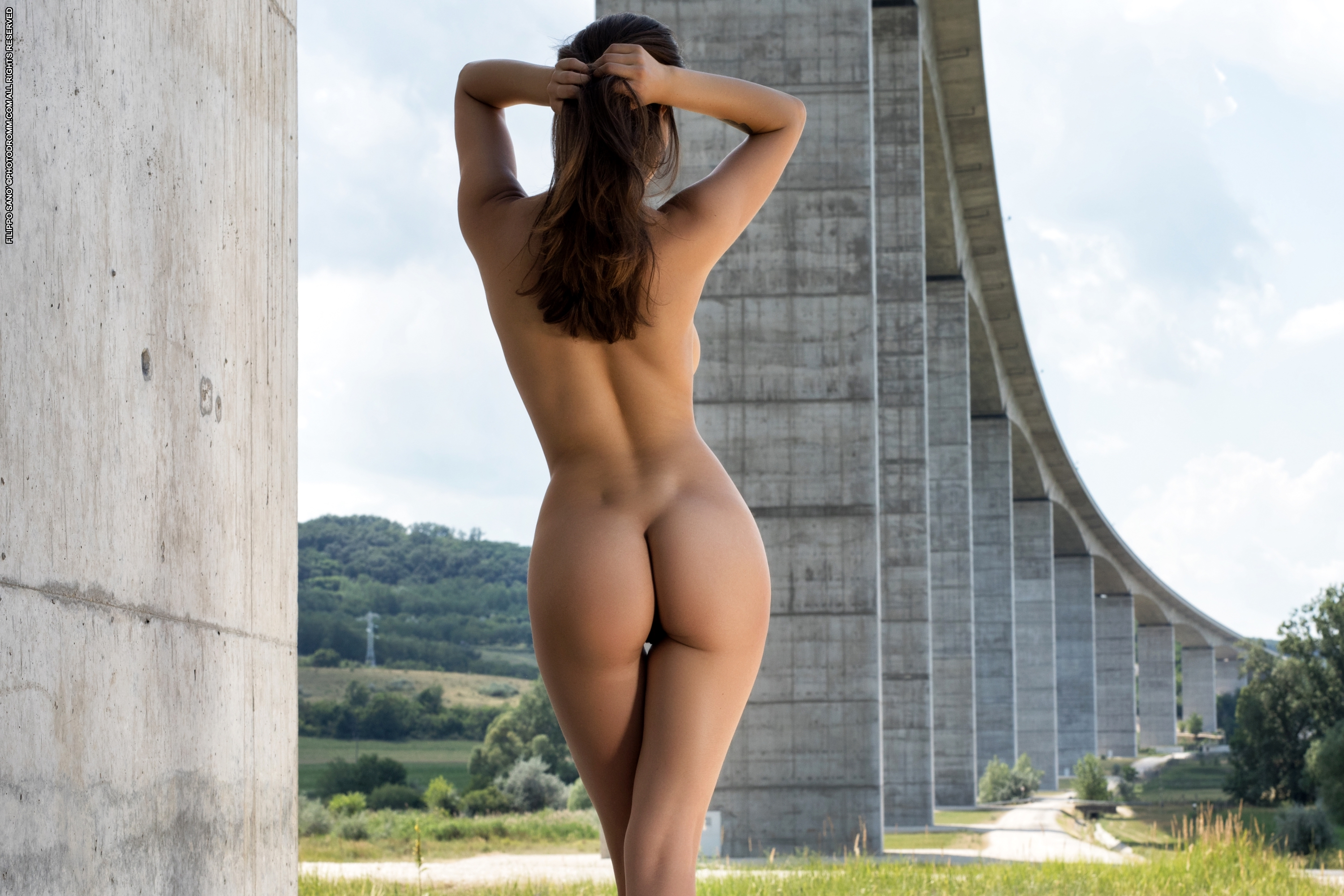 Women Sexy Asses In The Air Naked
