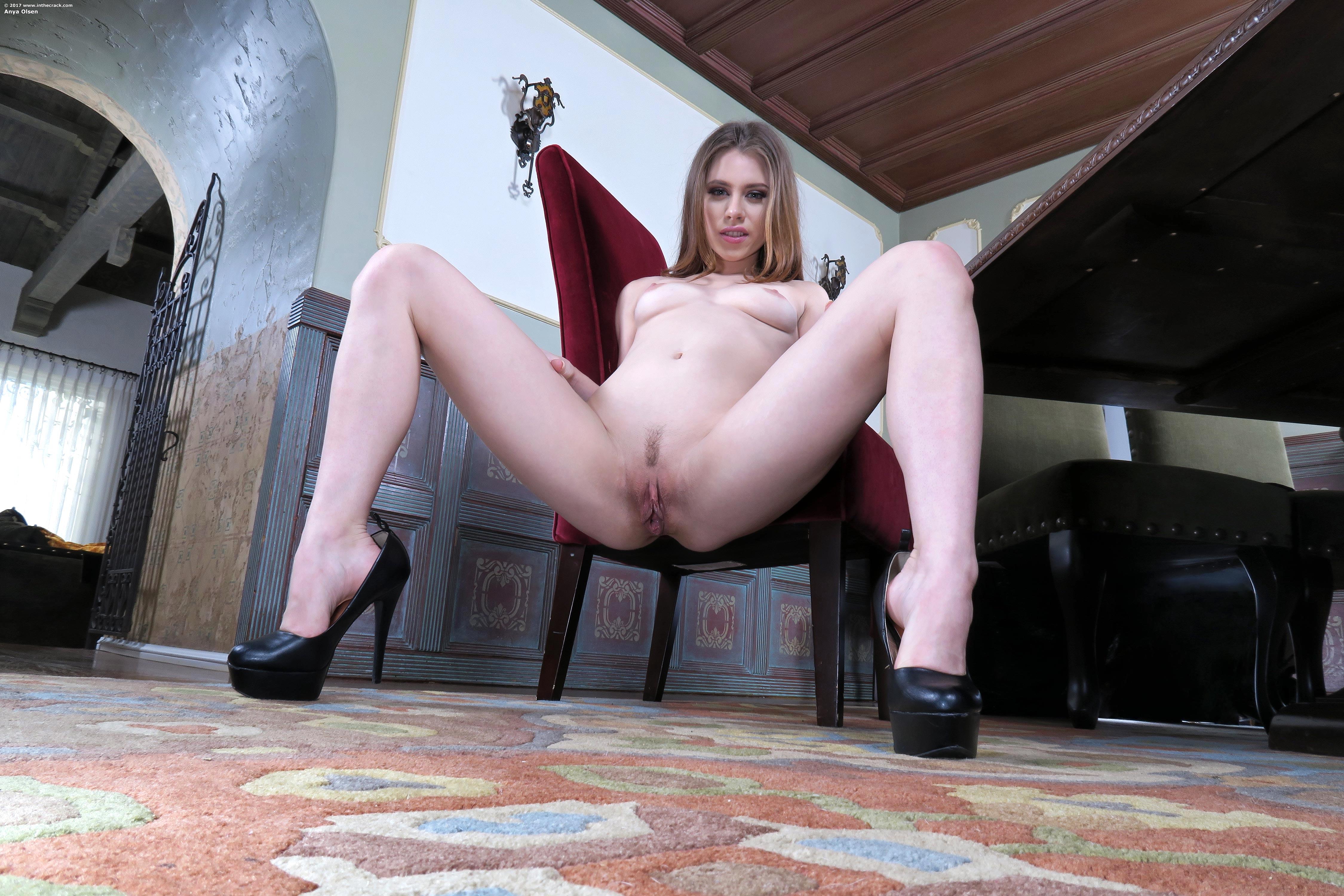 Sexy slut doing naked squats #14