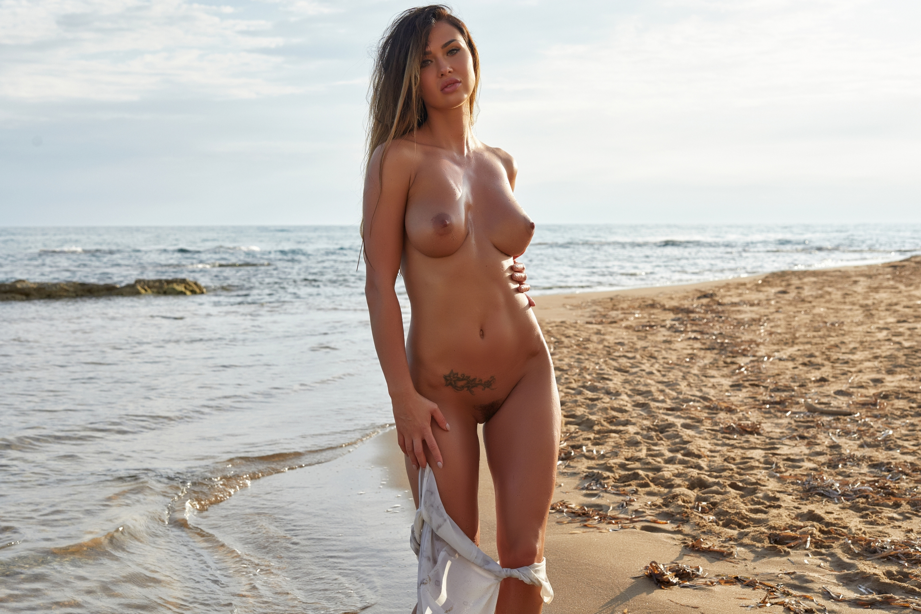 Download photo 1680x1050, justyna, beauty, naked, trimmed ...