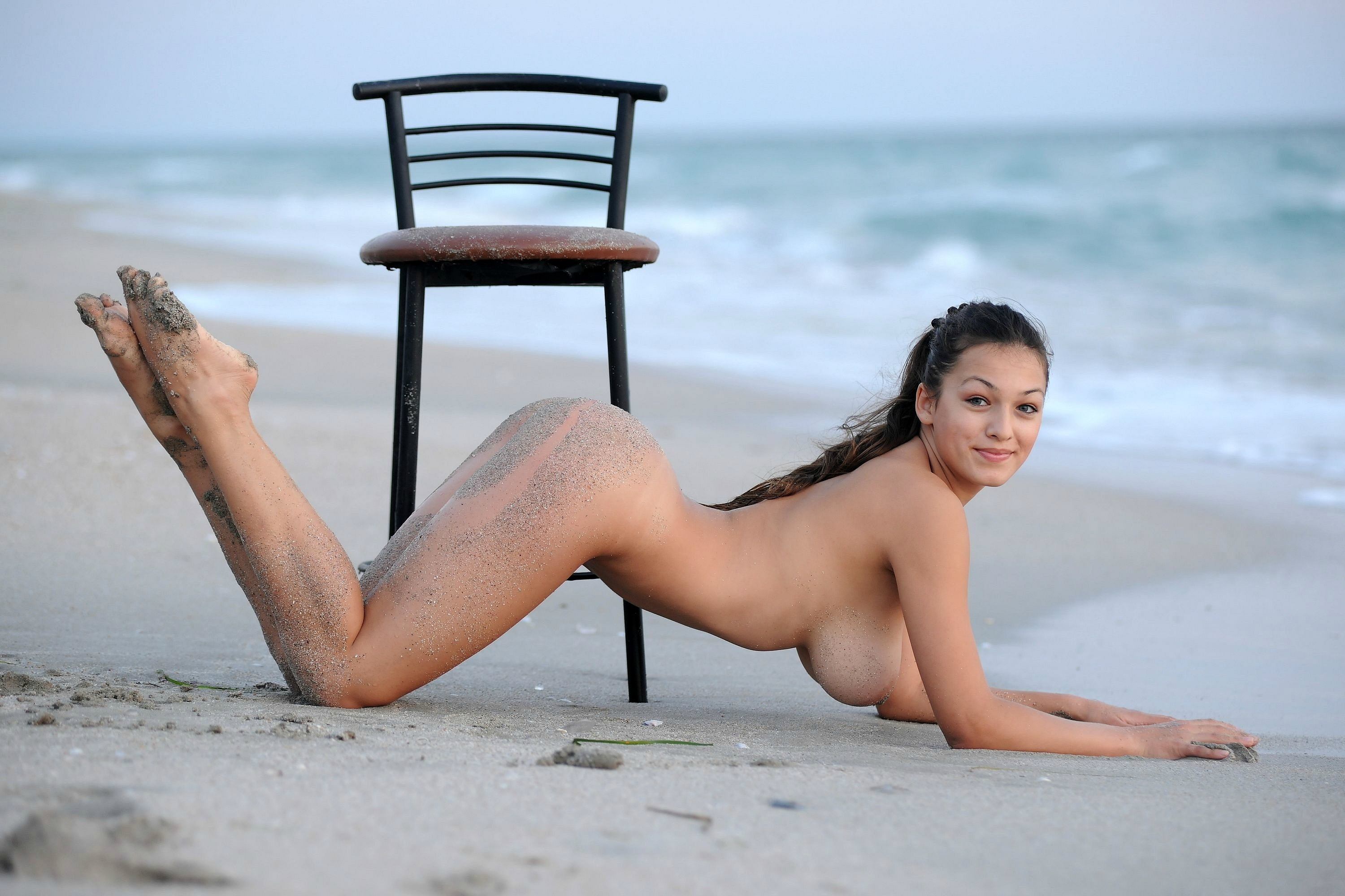 naked girls in beach chairs