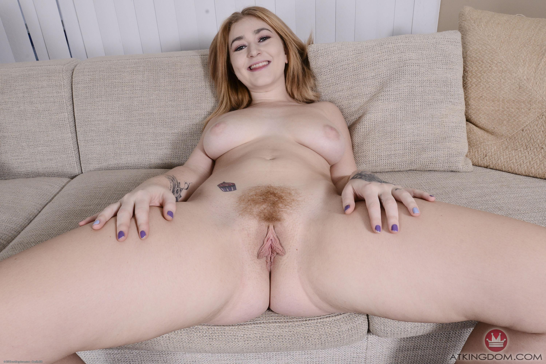 spread amateur big pussy tits