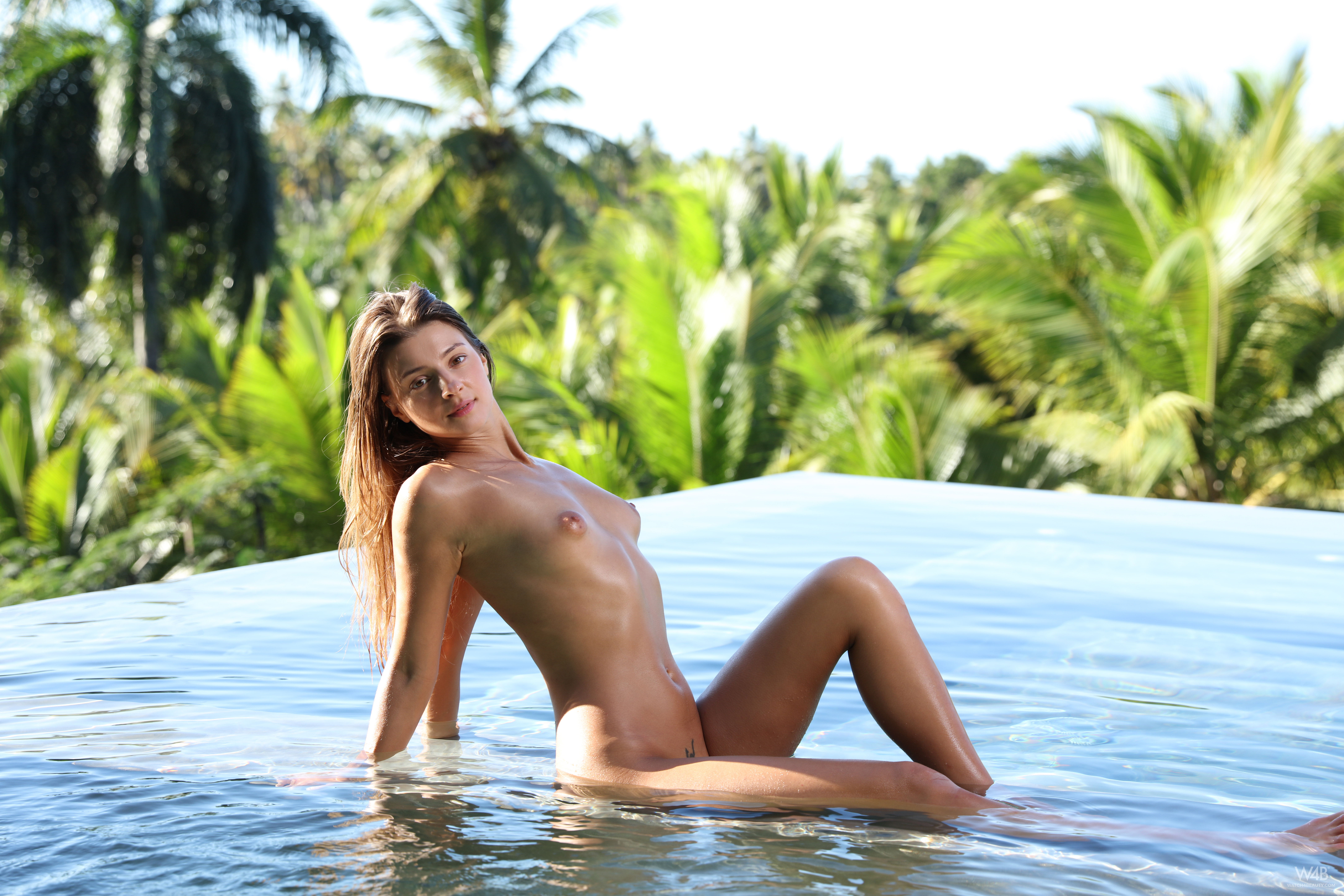 Wet And Naked Blonde Girl