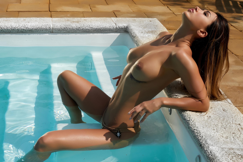 Hot wet tits