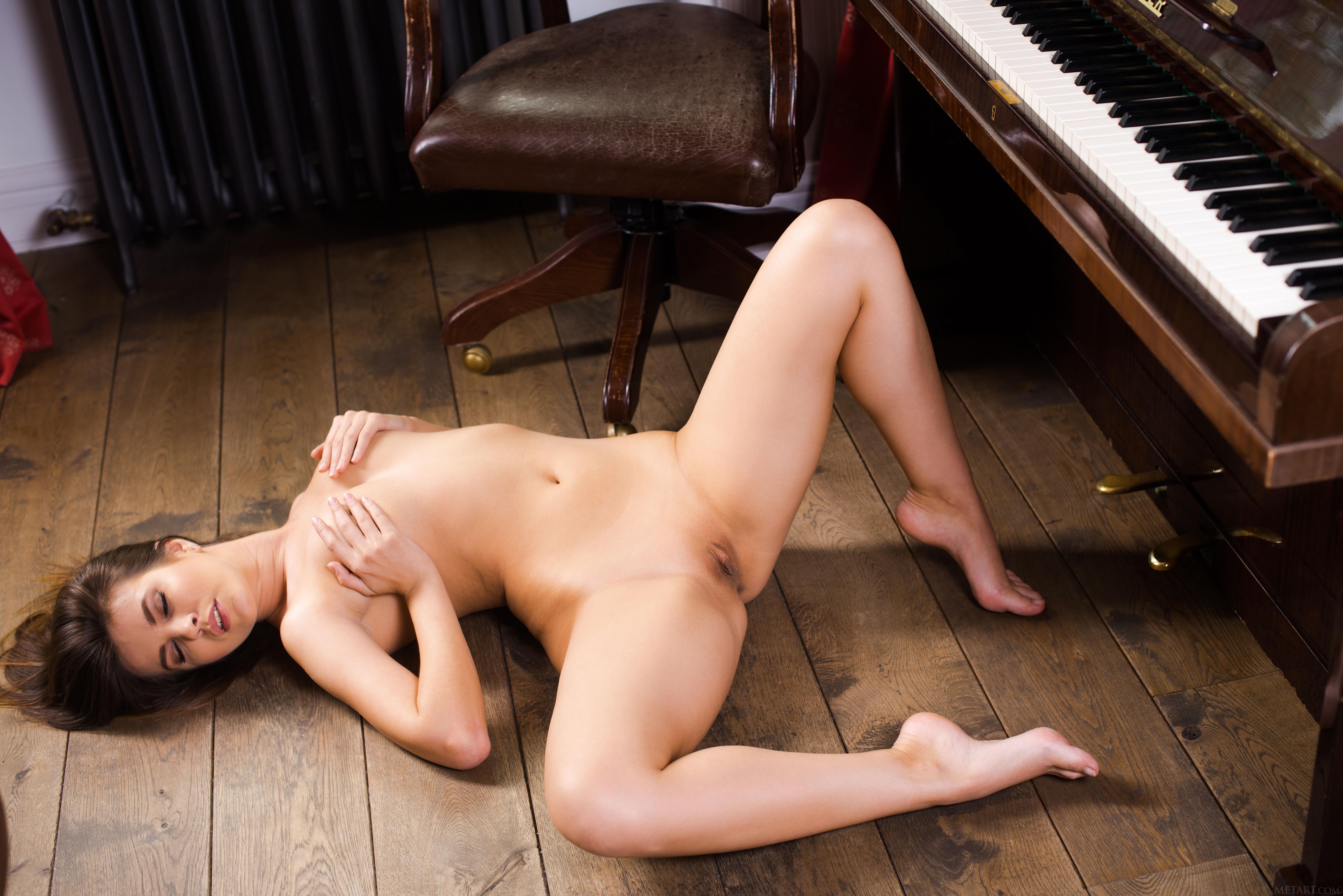 Piano pussy