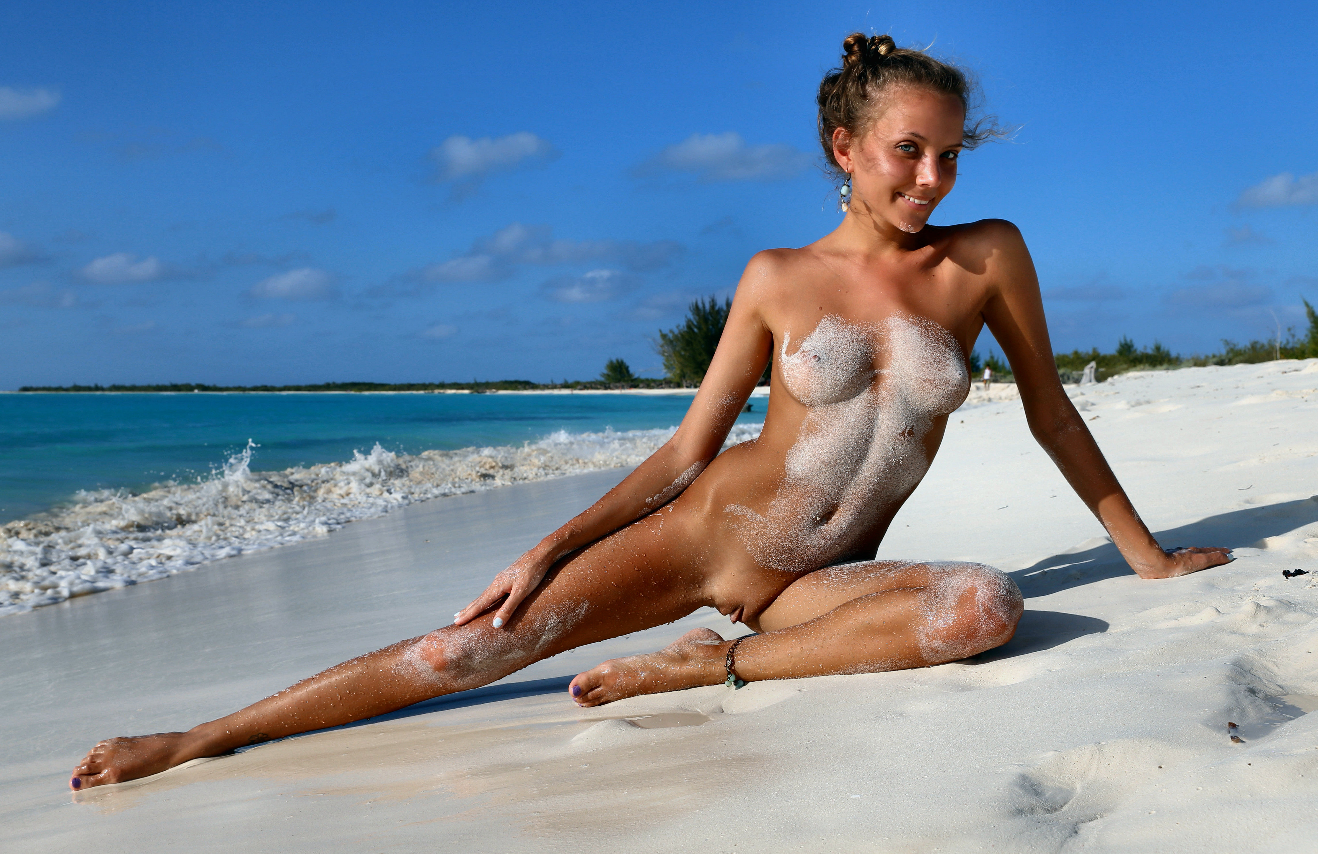 Exotic Girl Naked Wet Brown Ass On Beach Nude Girls Pictures