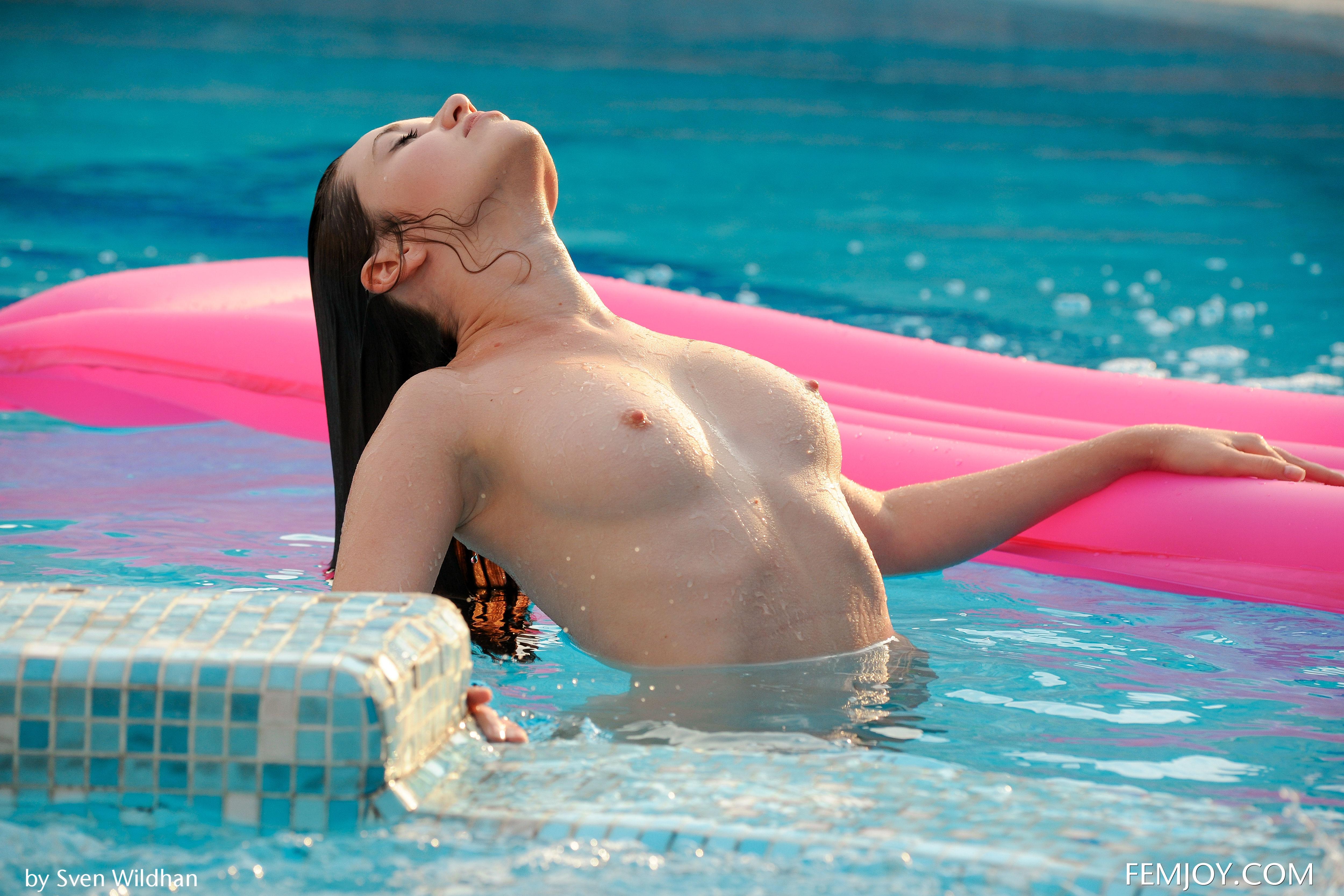 Emily nude in fun