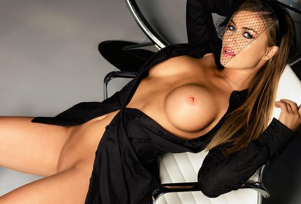 carmen electra, nude, actress. 1280x1024