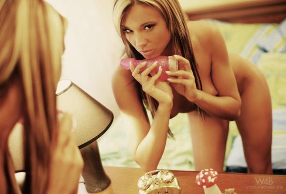 frække kvinder billeder silkeborg escort