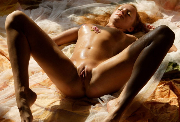 Naked dildoing chick with tan lines