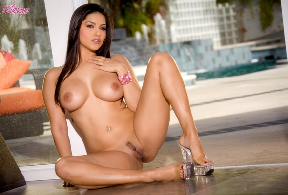 Wallpapers Of Sunny Leone Nude