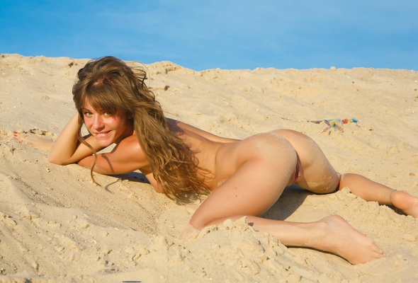 girls at on a nude beach vagina