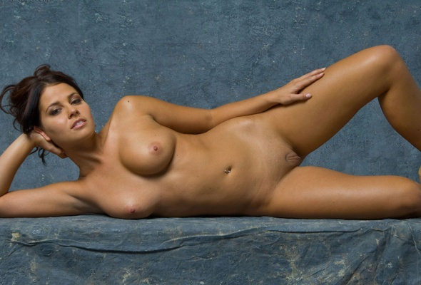 cali logan naked