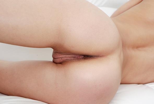 nude pics of hooters girl nikki