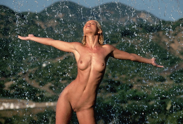 фото голые пухленькие под дождём