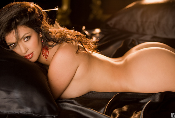 Can Celebrity kim kardashian naked you tell