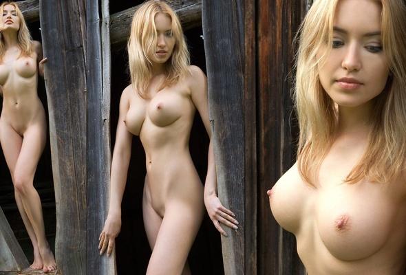 голые сиськи моделей фото