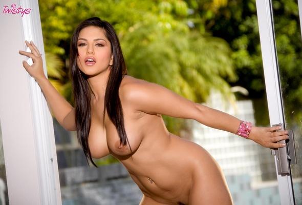 sunny leone, diva, boobs, nude