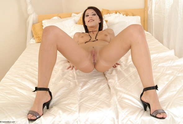 maria nude Anna horsford