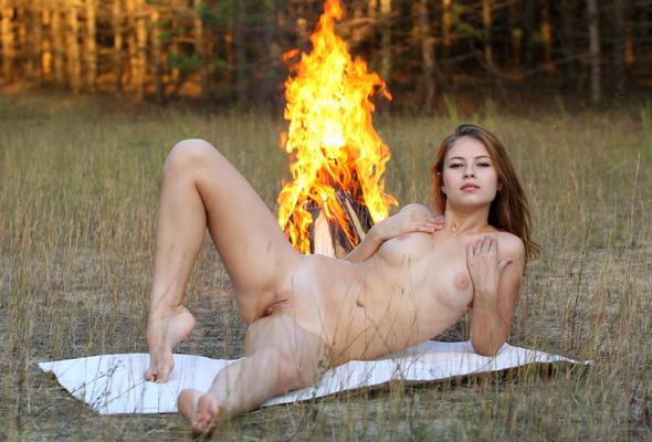 Full naked women stugis