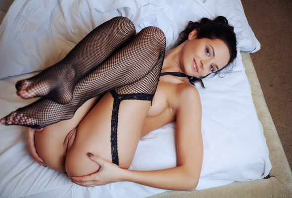 pussy Fishnet stockings