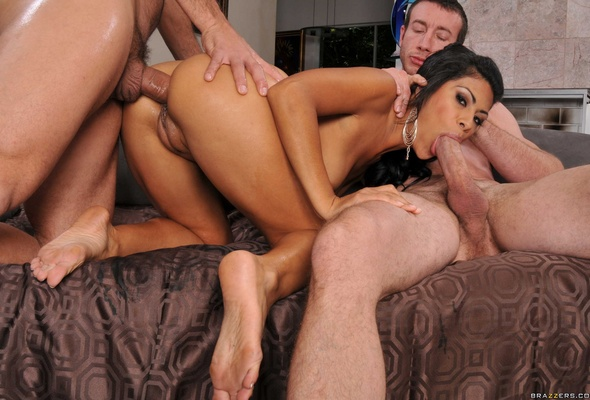 Oral anal threesome