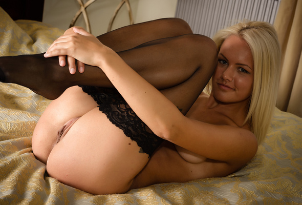 Blonde pussy stockings