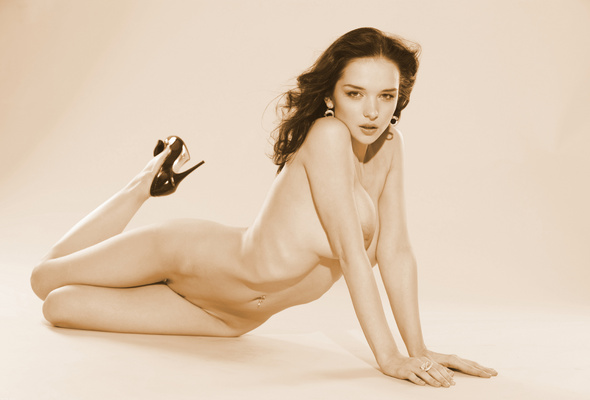 katie-nude-model