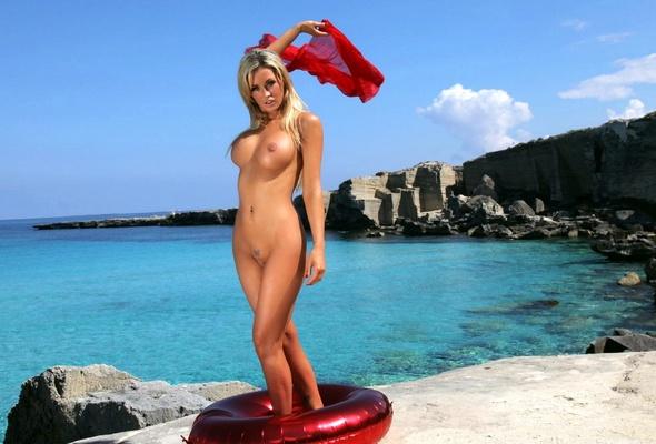 Milla jovovich sucking cock