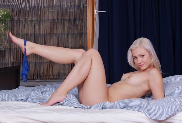 Naked zarine khan