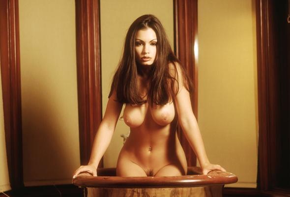 giovanni girl nude Aria