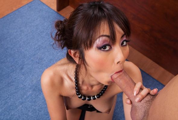 Asian girl oral sex