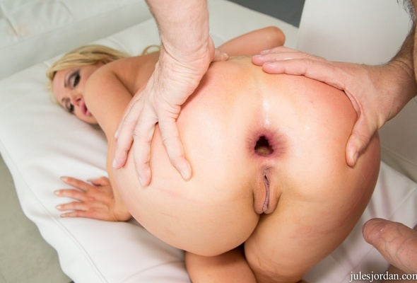 Nikki benz ass licking
