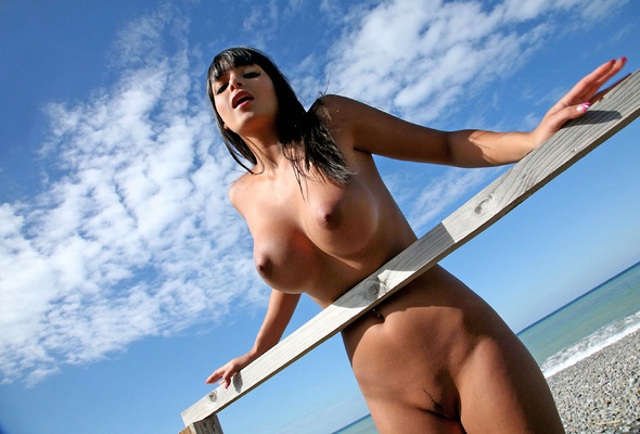 Very sun tanned naked titties, sexiest naked farm girl ever